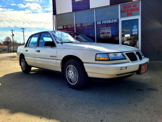 1991 Pontiac Grand AM LE Sedan